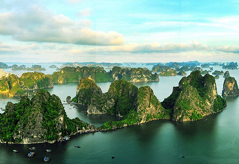 Bai Tho Mountain - View Ha Long Bay from above