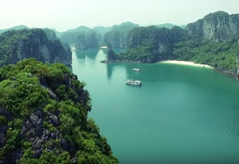 Ha Long Bay cruises (Dutch)