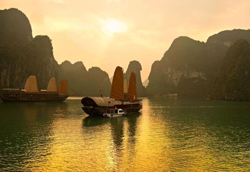 Autumn Promotions 2018 of Halong Bay Cruises