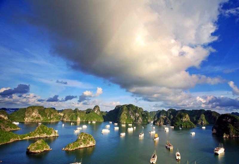 What bad weather in Halong Bay?