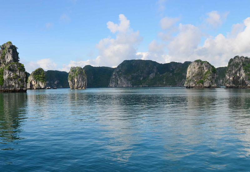 First Time Trip to Halong Bay in October