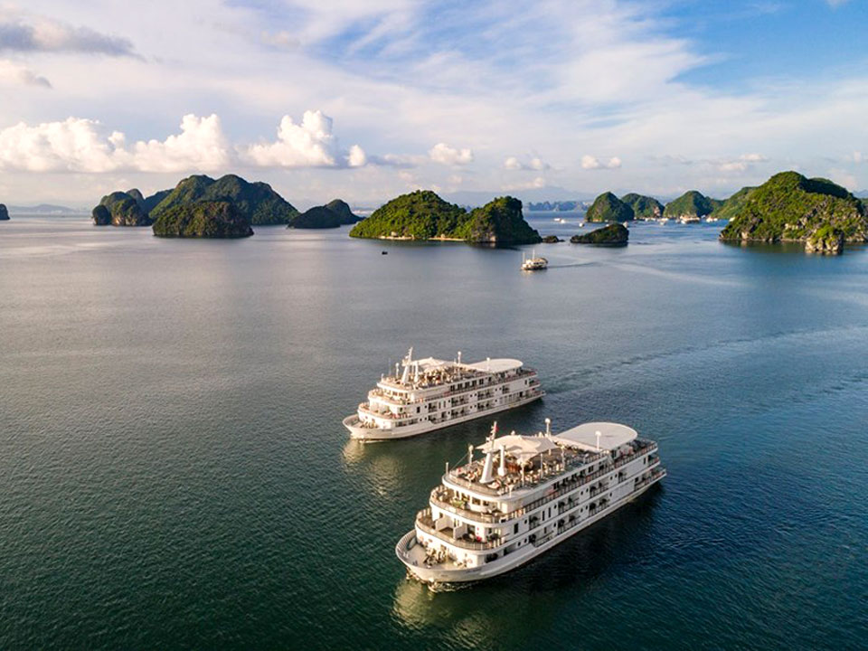 How to take the best photos in Halong Bay?