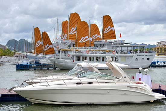 Halong Five Star Cruising Theme with Paradise Luxury