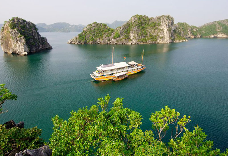 First Time Trip to Halong Bay in December