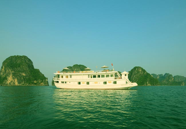Golden Lotus Cruises Halong