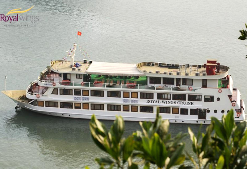 Royal Wings Cruise Halong Bay