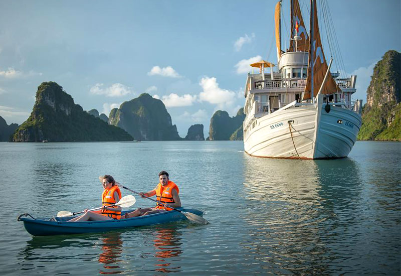 Paradise Luxury Cruises: Kayak