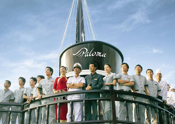 paloma cruise staff