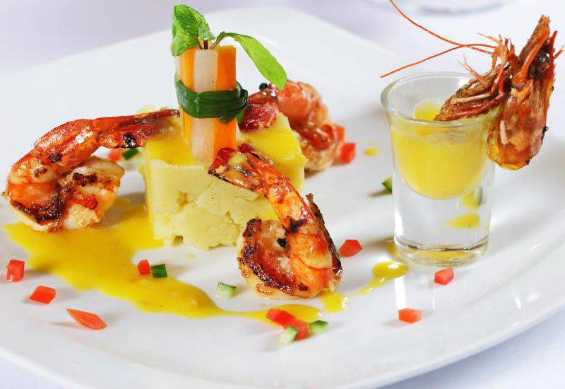 Royal Wings Cruise dining