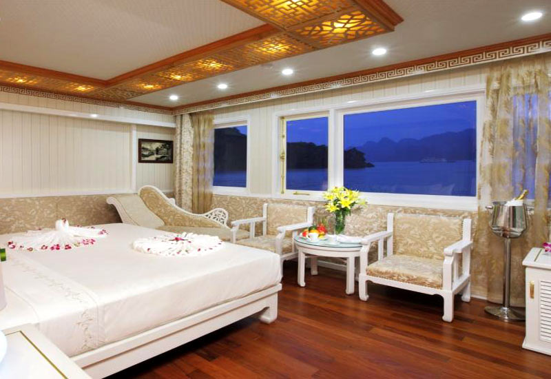 Royal Wings Cruise